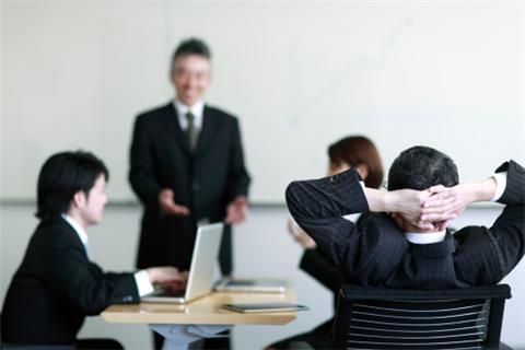企业遇到问题员工如何处理